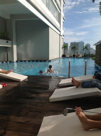 HARRIS Suites FX Sudirman:                                     swimming pool
