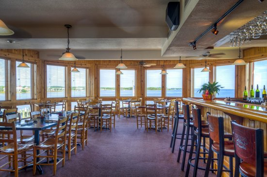 Restaurant Review g d Reviews Stripers Bar and Grille Manteo Roanoke Island Outer Banks North Caroli