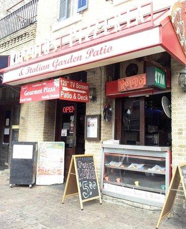 Roppolo's Pizzeria