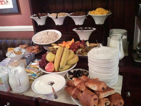 Royal Albion Hotel : help yourself