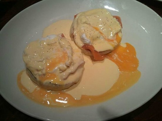 Royal Albion Hotel: eggs benedict, amazing