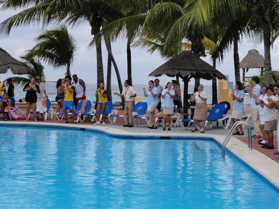 Allegro Cozumel:                   vu de la piscine qui est a coté du resto et de la mer