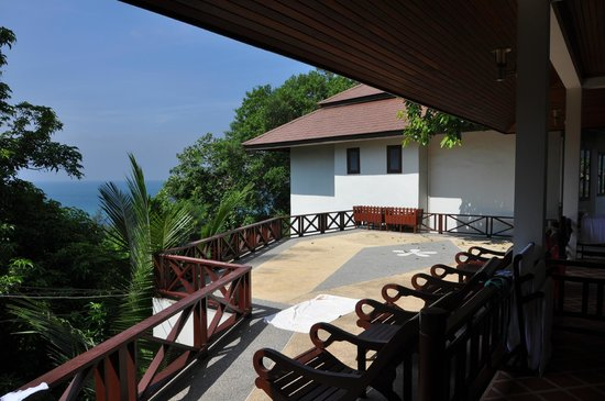 Ban's Diving Resort:  Suite Hilltop View Terrasse
