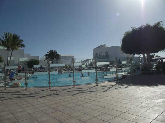 Hotel Lanzarote Village:                   Pool has glass surrounds, safety stops little ones running in.