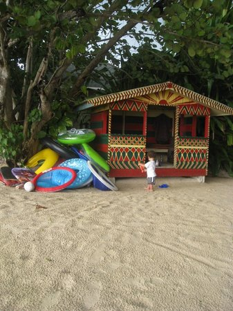 Nirvana on the Beach:                   Toddler heaven