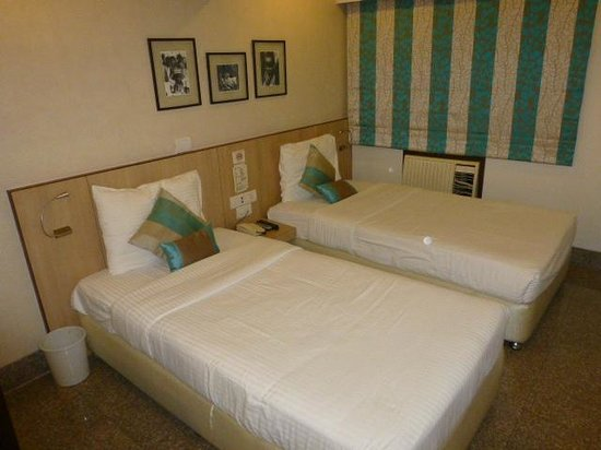 Hotel Transit: Room 301