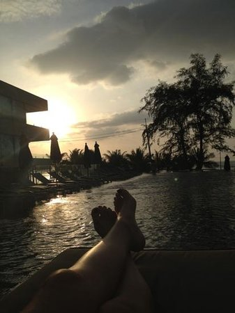 B-Lay Tong Phuket: piscine