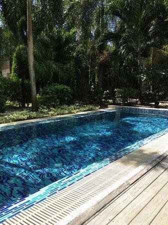 B-Lay Tong Phuket: devant la terrasse