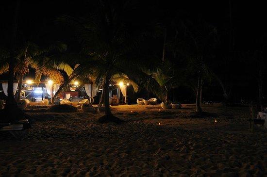 Catalonia Gran Dominicus:                   Playa a la noche