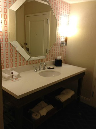 Sheraton Lake Buena Vista Resort: Next to bathroom