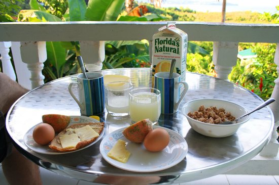 Apartment Espoir:                   Breakfast at the balcony with a wonderful view