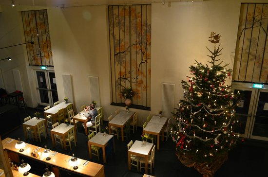 Lloyd Hotel & Cultural Embassy:                   Dining room