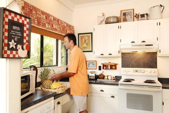 Waimea Plantation Cottages: Kruse House Kitchen