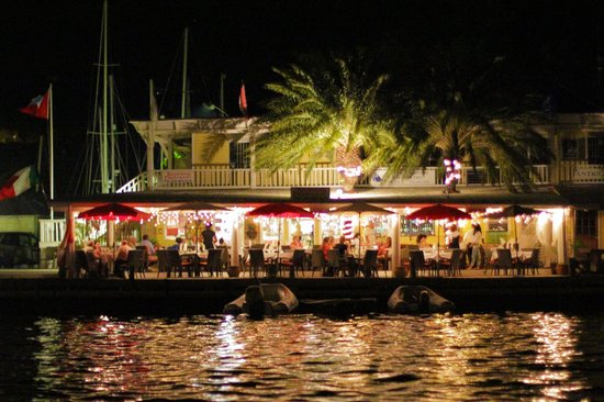 Ristorante Paparazzi : Paparazzi by night, enjoy the lights and fine dining