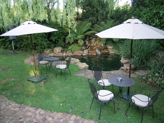 Idwala Boutique Hotel Johannesburg:                                     Seats in the garden