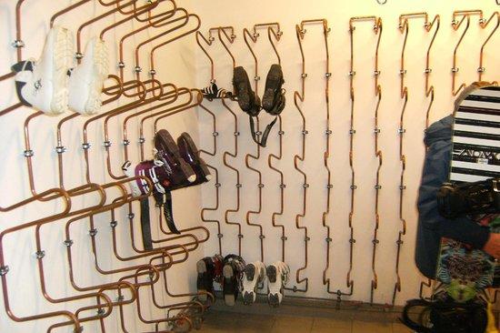 Hotel Bergcristall: Heated ski storage room