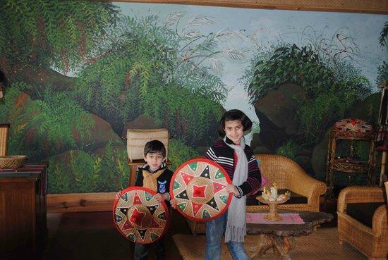 Ri Kynjai: souvenier shop