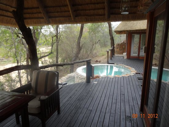 Dulini Lodge:                   Private Plunge Pool