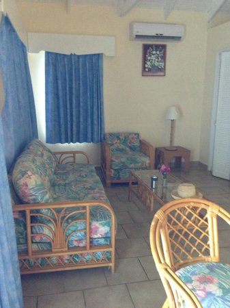 Timothy Beach Resort:                                     living room area