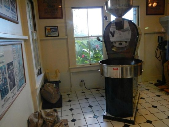 Kauai Coffee Company : Museum with coffee equipement