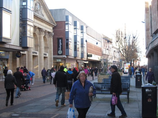 Eastgate Shopping Centre:                   Shopping area Gloucester