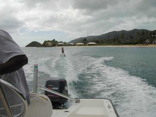 Curtain Bluff Resort: water skiing