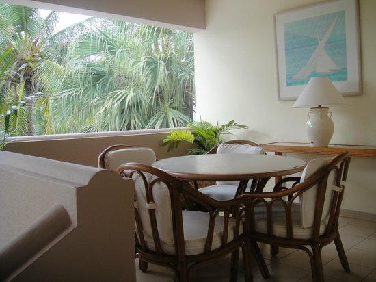 Curtain Bluff Resort: eating area outside of bedroom
