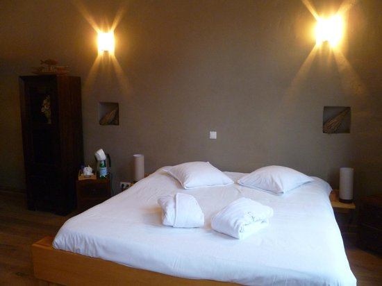 Calis Bed & Breakfast:                   LETTO