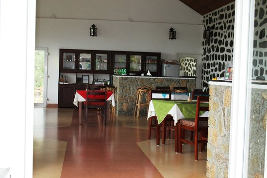 Kaivalyam Retreat:                   dining hall