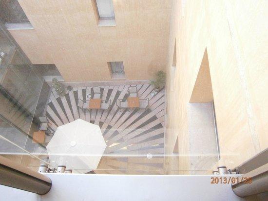 H10 Raco Del Pi:                   Hotel courtyard