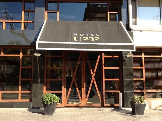 U232 Hotel:                   entrée hôtel