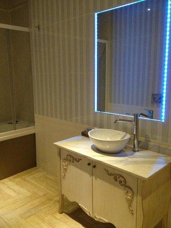 Elegance Residence: la salle de bain