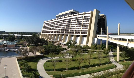 Bay Lake Tower at Disney's Contemporary Resort:                   View From Room - Lake View