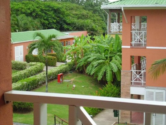 Royal Decameron Beach Resort, Golf & Casino:                   View of lush grounds from room
