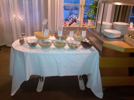 Taby Park Hotel And Conference: Breakfast