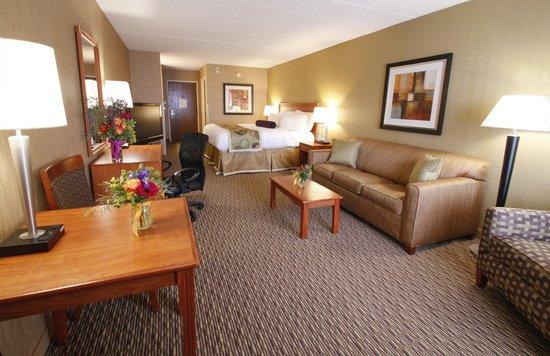 The Inn On Lake Superior: King with Sleeper Sofa