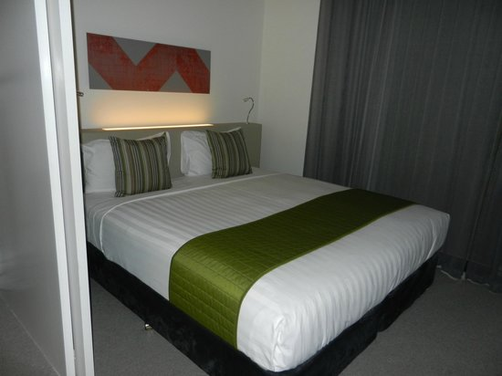 Citadines on Bourke Melbourne: Bed Area