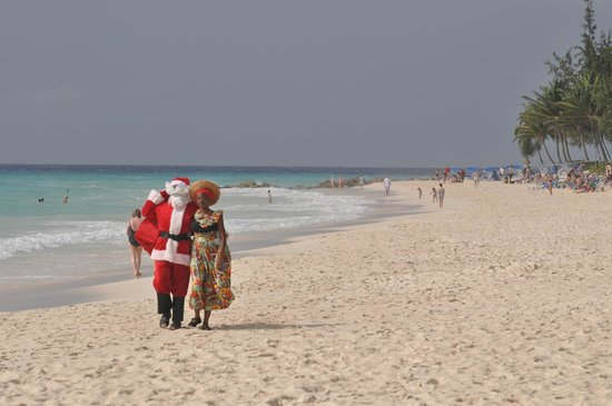 Bougainvillea Beach Resort: Santa arriving Caribbean style