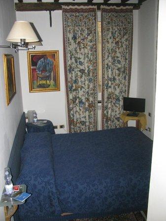 Affittacamere San Lorenzo:                   camera da letto