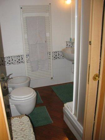 Affittacamere San Lorenzo:                   bagno privato camera