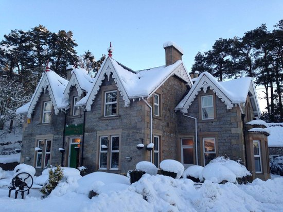 The Strathardle Inn:                   Plenty of Snow