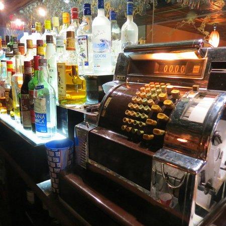 Ladoria Ristorante: Bar