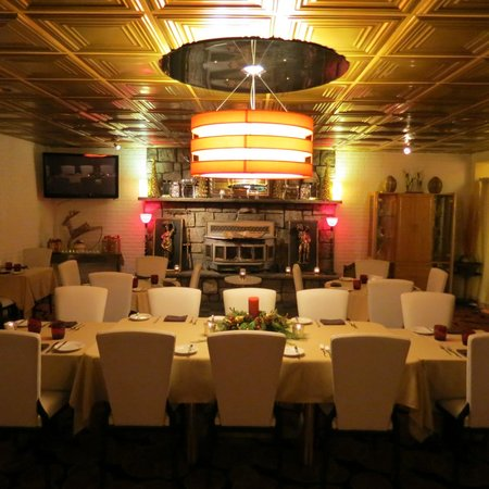 Ladoria Ristorante: Small Dining room