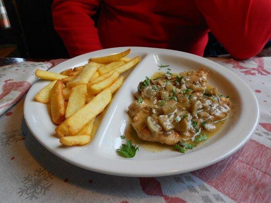 La Capanna dei Celti: Scaloppina ai funghi porcini con patate fritte