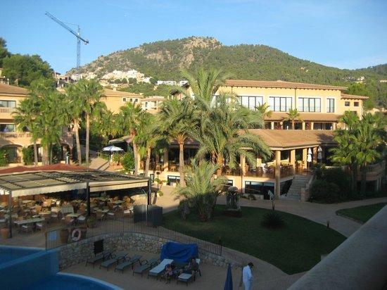 مون بورت هوتل آند سبا:                                     View from room towards main hotel building                 