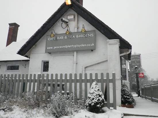 Peace and Plenty Restaurant: A Snowy day at the Peace and Plenty