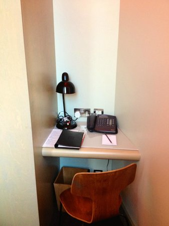 The Zetter Hotel:                   Desk