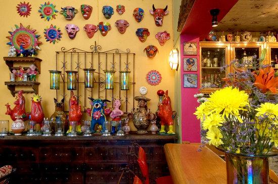 Casa de Las Flores: Bar