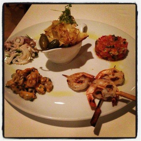 La Cuccina :                   Fish Plate