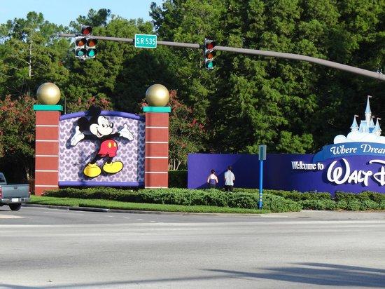 Radisson Hotel Orlando - Lake Buena Vista:                   Portal da Disney - Mickey